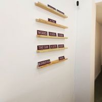 estanterias-de-madera-para-carteles-pvc8EDA4BF5-BAE7-A4EA-3E53-A7D4C9D06BD2.jpg