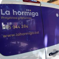 rotulacion-furgoneta-la-hormiga3D250BE2A-49A6-3602-569E-67EBBD6C53EB.jpg