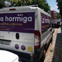rotulacion-furgoneta-la-hormigaA01BF0A3-CCC6-5713-4958-B0AEAB3FC710.jpg